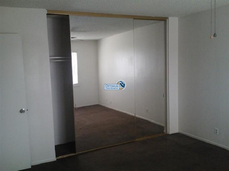 3 bedroom with a large lot 10