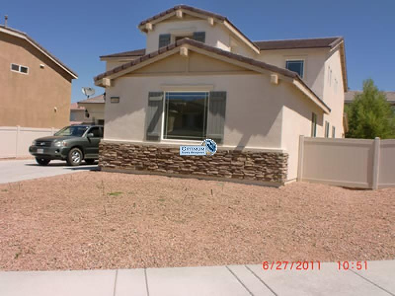 Large North Victorville 4 bedroom 1