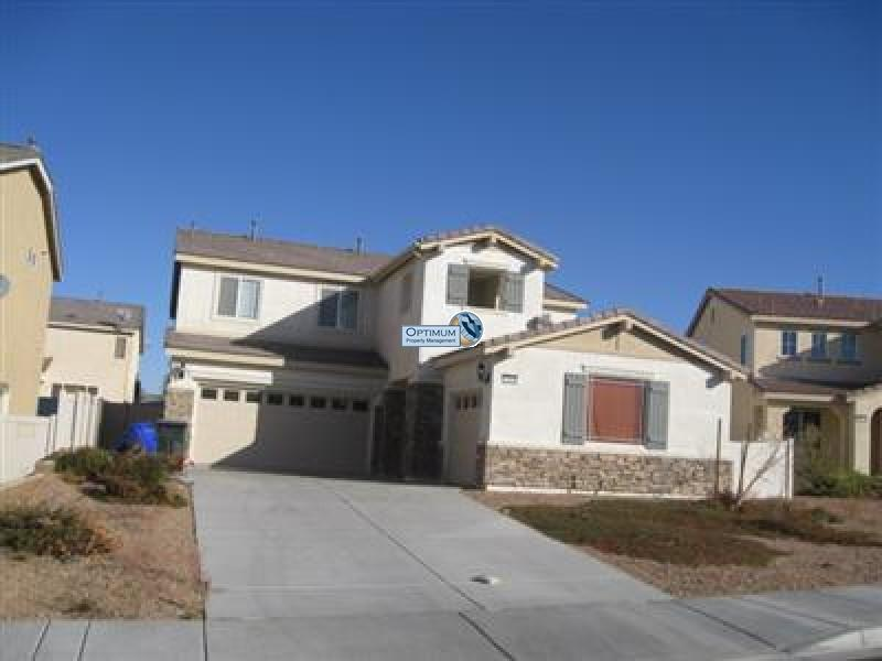 Large North Victorville 4 bedroom 7
