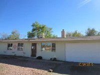 Hesperia home with covered patio, large yard